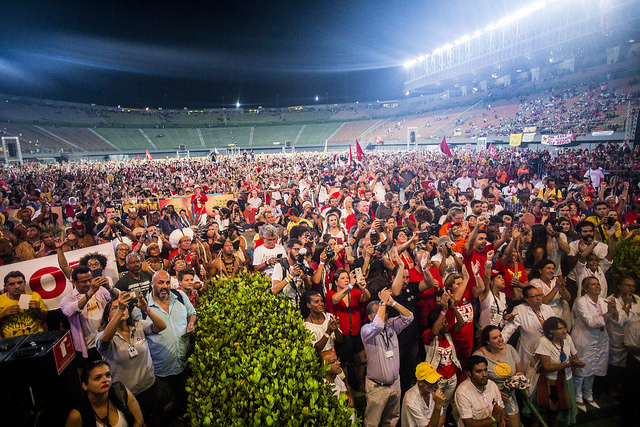 Image: the public of the Assembly of Democracies, at the Pituaçu Stadium, at the WSF 2018, in Salvador – Bahia. Midia Ninja.